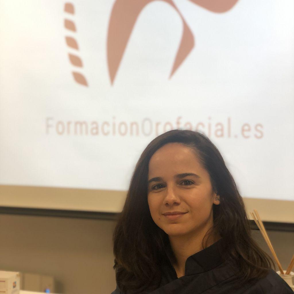 Miriam Esquivias logopeda